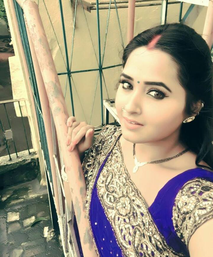 kajal raghwani in saree