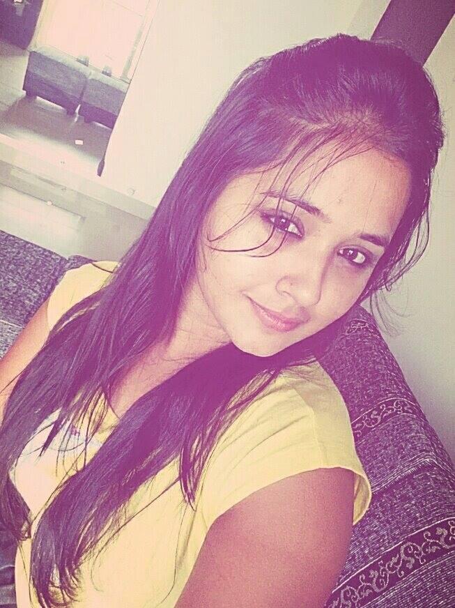 kajal raghwani selfie photo