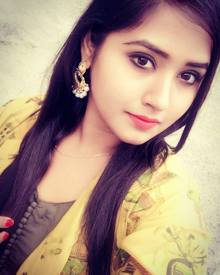 Bhojpuri Actress kajal raghwani selfie in HD