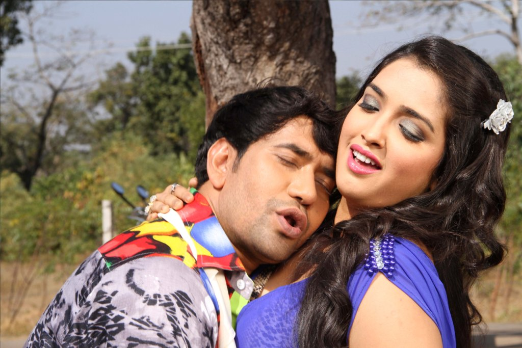 Bhojpuri Movies of Dinesh Lal Yadav Nirahua with Amrapali Dubey