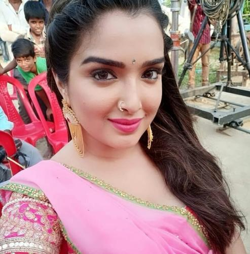 Amrapali Dubey Bhojpuri Actress HD Wallpapers (18)